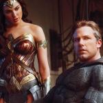Gal Gadot diz que Batman e Mulher-Maravilha nem sempre concordam