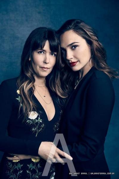 Gal Gadot e Patty Jenkins estão na lista das 100 mulheres mais poderosas do entretenimento